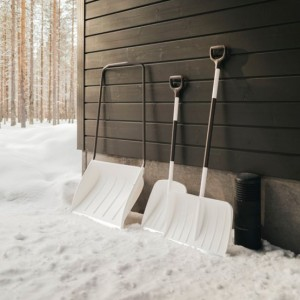 Lopata pentru zapada Fiskars SnowXpert alba