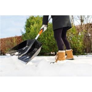 Lopata pentru zapada Fiskars SnowXpert neagra