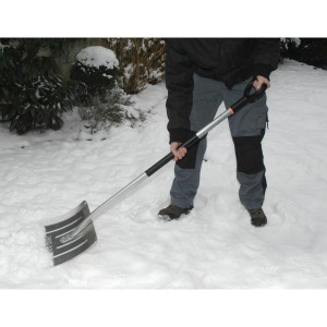 Impingator zapada Fiskars Snow Light Pusher
